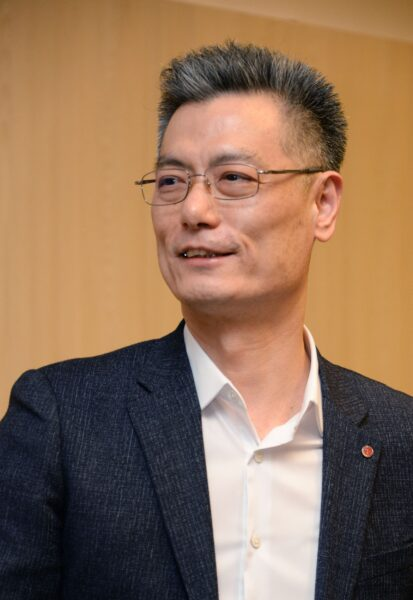 LG Mobile Communications Company president Hwang Jeong-hwan